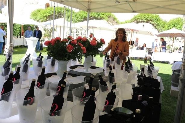 Rachel Renault of the Maison des Vins organising the rosé blind tasting