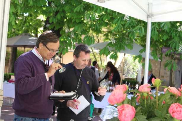 Dutch Provence specialist, André Sauerbier (left) tasting the rosés