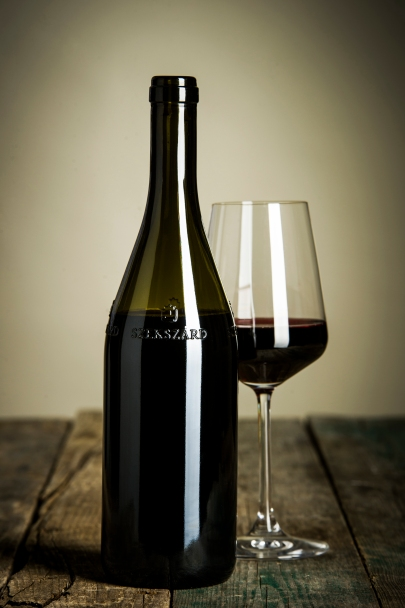 The Szeksárdi wine bottle